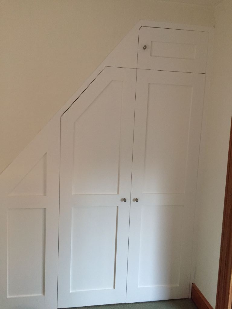 Bespoke_under_stairs_cupboard_carpentry_c