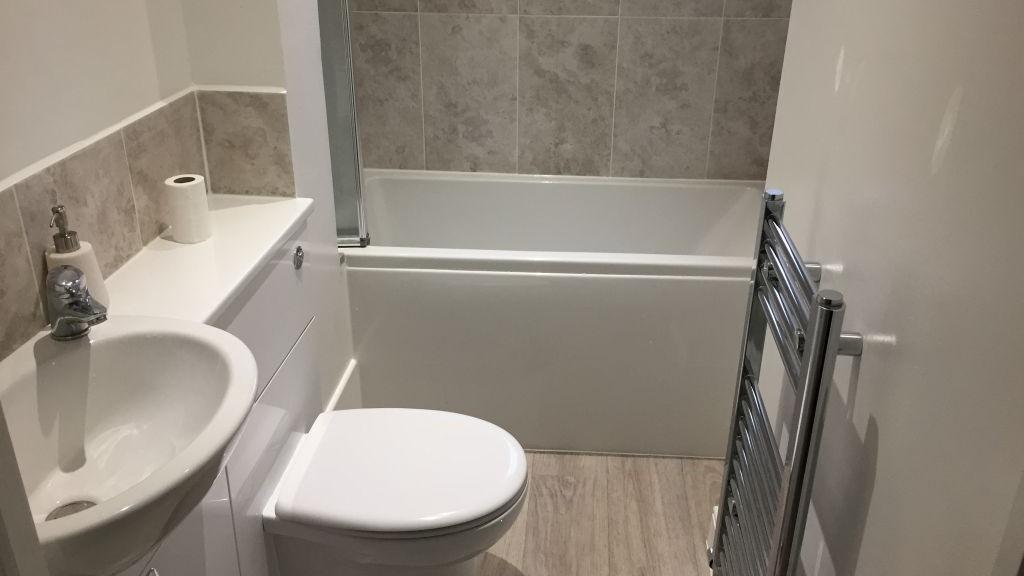 small_bathroom_refit_after_d