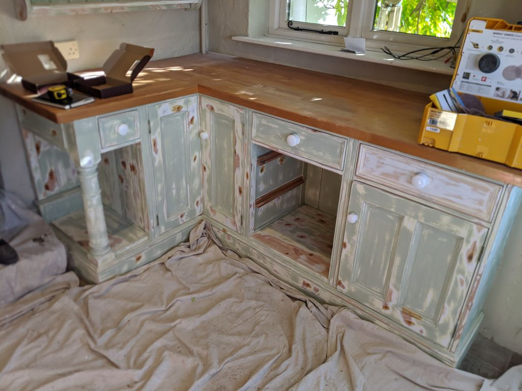 During_decoration_upcycle_kitchen_a