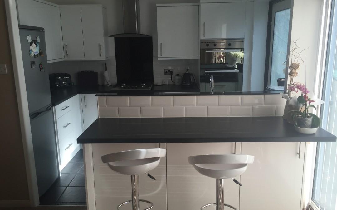 Renovated kitchen & breakfast bar created, Tunbridge Wells
