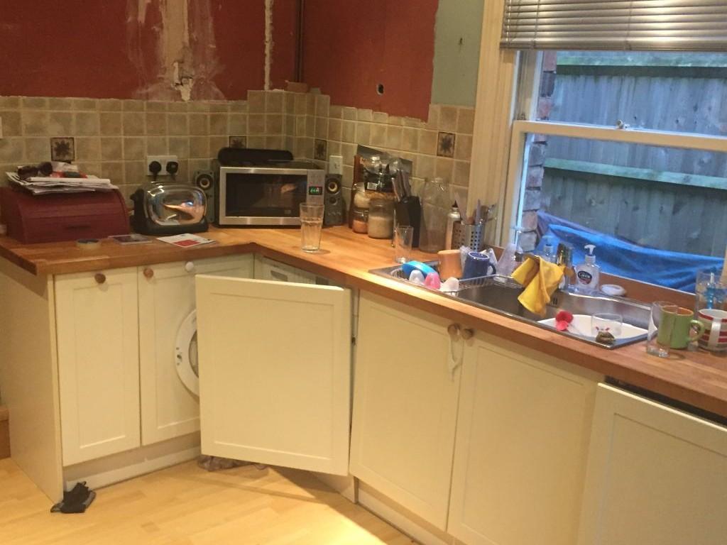 kitchen_4_before_renovation_e